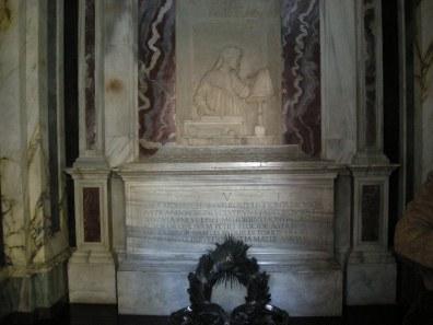 Interno Tomba di Dante a Ravenna