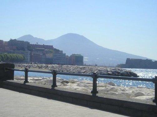 Via Caracciolo