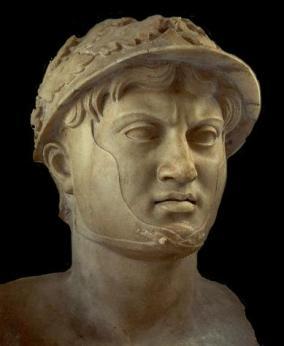 Busto di Pirro di epoca romana, dal Museo Archeologico Nazionale di Napoli.