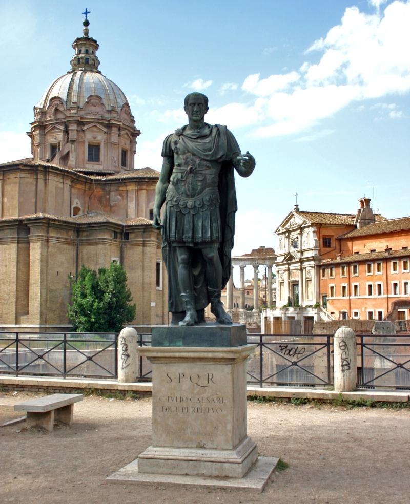 roma-statua_di_cesare