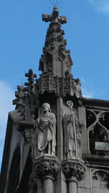 Statue di Pipino e di Remaclo nel Palazzo Provinciale di Liegi